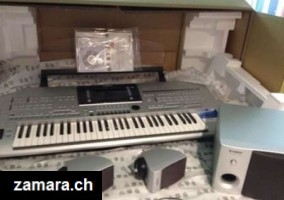 Yamaha Tyros5 76-key Arranger Workstation